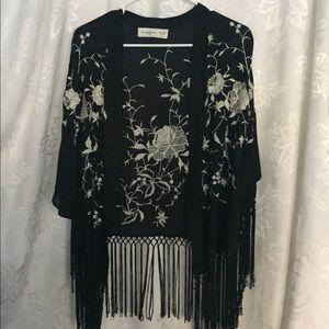 Abercrombie & Fitch-Beautiful Fringed Kimono