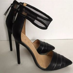 L.A.M.B. Black Trystan Leather Stilettos  Sz 8.5