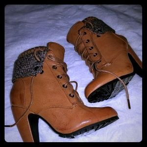 Faux leather bootie
