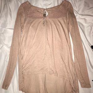 Long sleeve pinkish/nude shirt