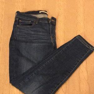 Levi 710 Super Skinny Blue Jean