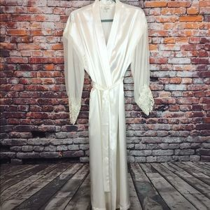 Vintage Robe w/Sleeve Embellishment