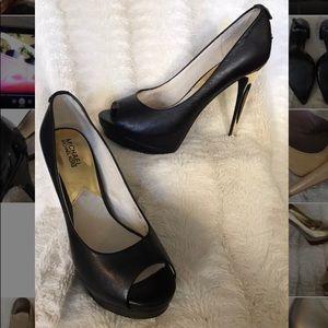 MICHAEL Michael Kors Black Patent Peep-toe Pumps