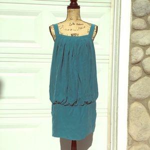 Laundry dress green