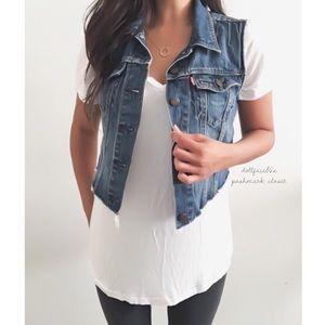 Levi's Distressed Hem Cropped Jeans Vest