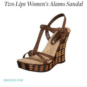 Two Lips Alamo Sandal. NWT