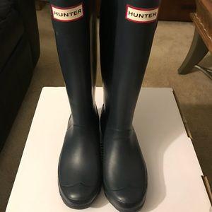 Hunter Rain Boots! Navy Blue - Size 6