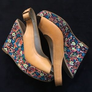 Marc Jacobs Floral Print Wedges