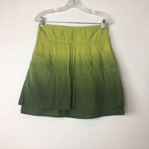 Athleta green ombré skirt size 4. Pockets