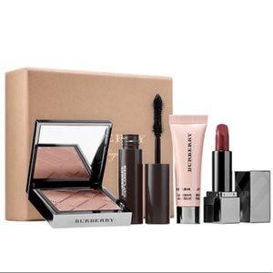 Burberry make up set
