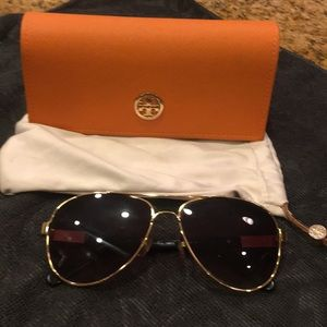 Tory Burch Aviator Sunglasses Black and Gold
