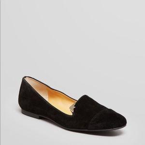 Flat womens shoe
