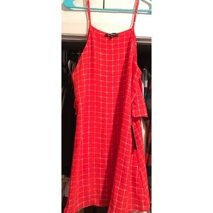 NEW WITH TAGS Red Lulus Dress