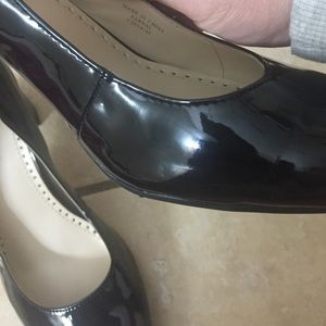 Adrienne Vittadini 8.5 Patent Leather Kernal Style