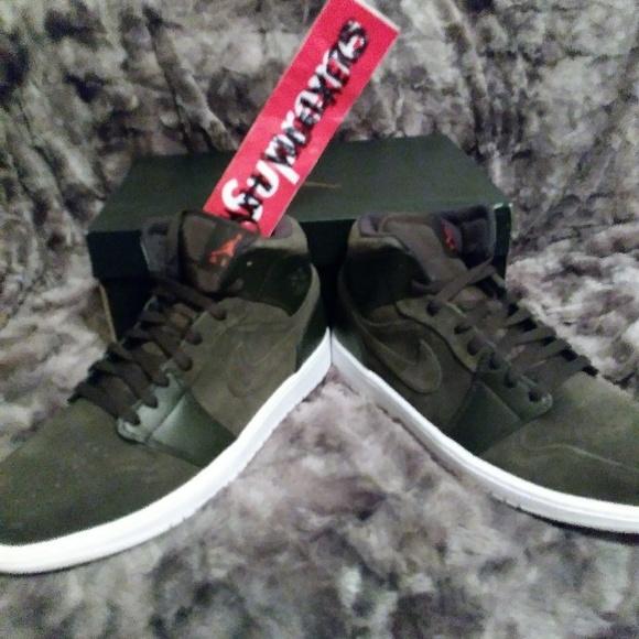 94ab35decb6b Rare Brand New 12 Nike Jordan Retro 1 Army Green