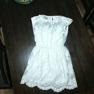Abercrombie & Fitch off-white lace dress