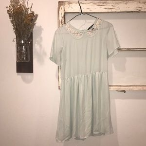Adorable Vintage-Looking Mint Dress