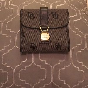 Handbags - Dooney&bourk wallet