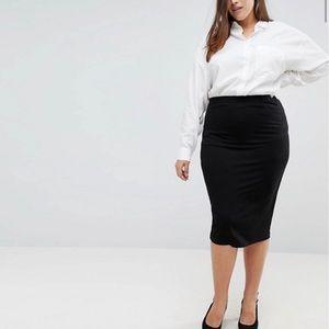 Black pencil skirt - (Plus Size)