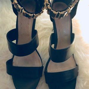 Aldo black and gold heels