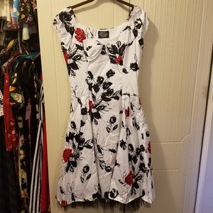 Hearts and Roses White and Black Pinup Dress NWT L