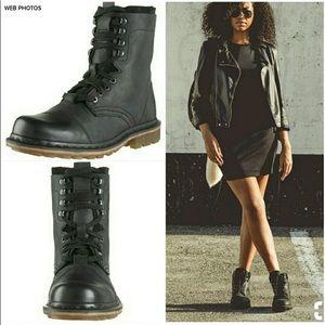 Doc / Dr. Marten Pier Leather Boots