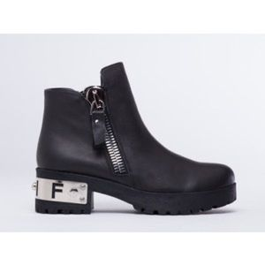 FLASH SALE ❗️ Unif gosh boot 🕸