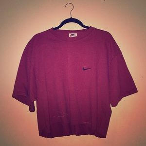 Classic Authentic Cropped Maroon Nike Shirt