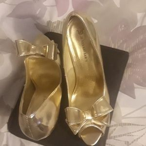 Gold Just Fab Heels