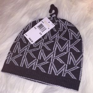 🎁NEW Michael Kors sparkly winter beanie hat $48