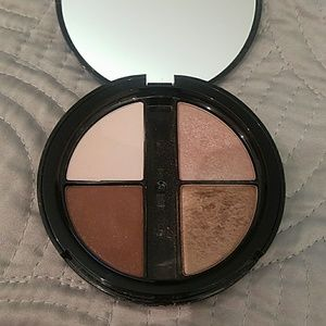 Simply Vera Blush Silk eyeshadow quad