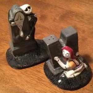 Nightmare before Christmas salt n pepper shakers