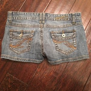 Sz 5 Mudd Jean Shorts Cute Flattering Embroidered