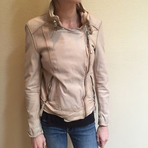🌵 NEW LISTING! 🌵 Tan Leather Jacket