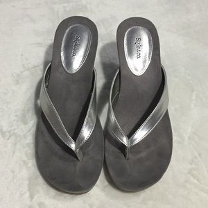 5d10a5c2bb4cb Style   Co Shoes - Style   Co Chicklet Wedge Thong Sandals Gray