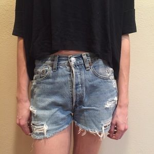 🌵 NEW LISTING! 🌵 Vintage Levi's Shorts