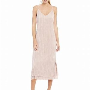 Gianni bini kerri dress in pink pleated