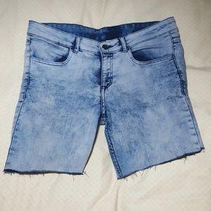 {H&M} Acid wash Mid-Length short