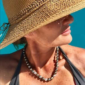 Tahitian Pearl Necklace. Authentic real pearls.