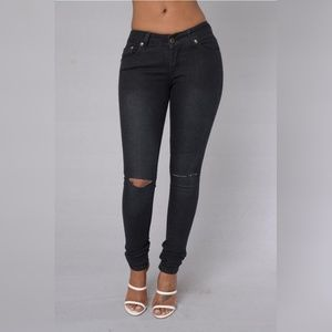 Black Denim Jeans With Slits On Knees 13