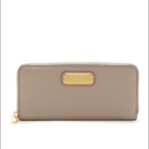 Marc Jacobs Women's Gray Classic Trifold Wallet