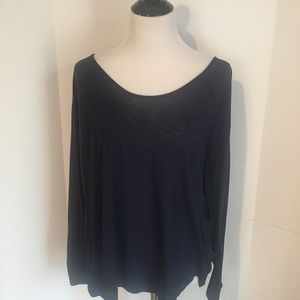 Navy long sleeved old navy workout top XL