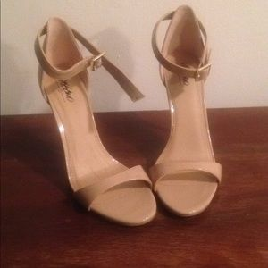 Mossimo Pamela heels
