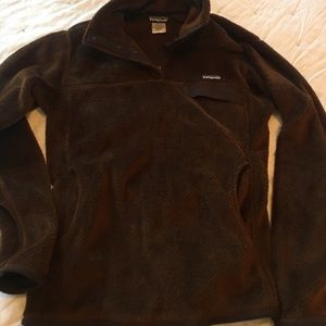 Brown Patagonia pull over size L