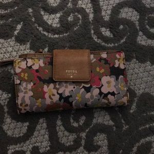 Fossil woman's floral wallet