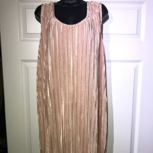 H&M Pink accordion style sleeveless dress