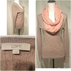 Anne Taylor Loft Beige V -Neck Sweater Size Small