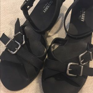 Old Navy Shoes - Black strappy sandals size 8