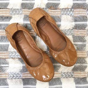 [Tory Burch] Eddie patent leather chestnut flats
