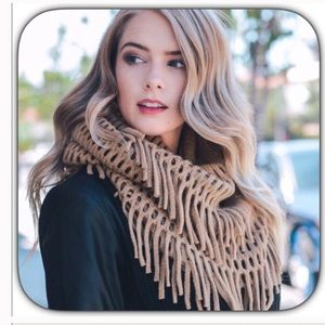 NWT Super Cozy Warm Gray Fringed Infinity Scarf